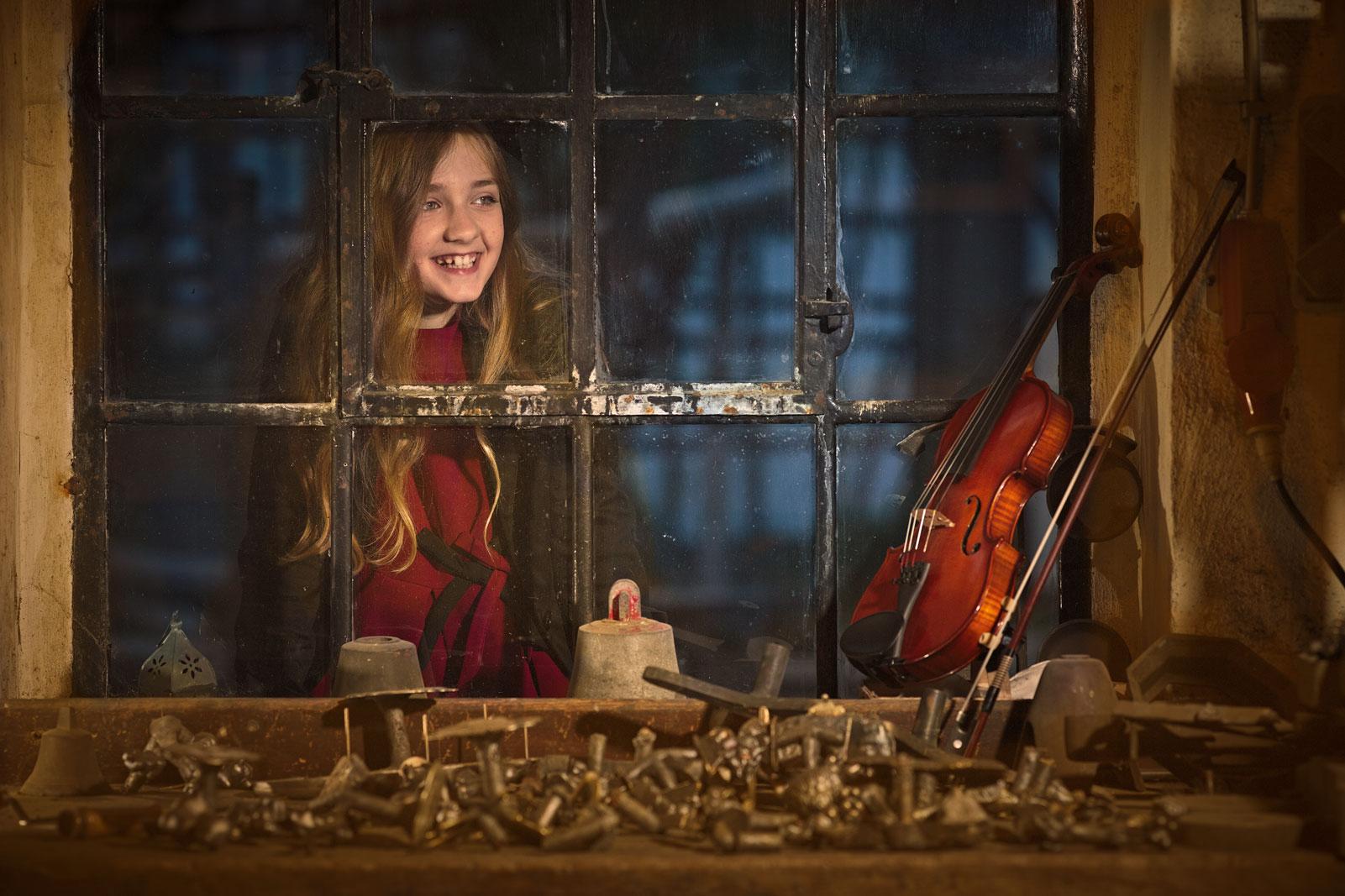 Geige Hand Konstruktion Malen Farbe Geigenbau, Metallbau